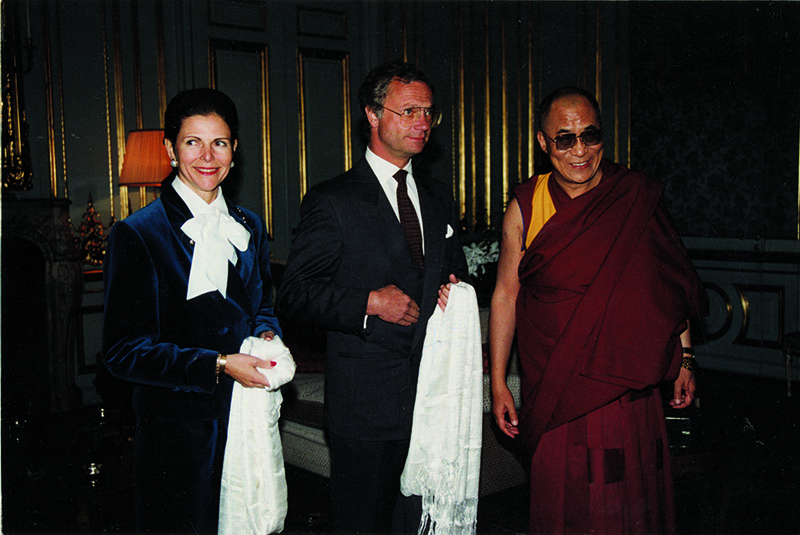 His Holiness the Dalai Lama being received by the Swedish King Carl XVI Gustaf and Queen Silvia, Stockholm, 3 December 1991