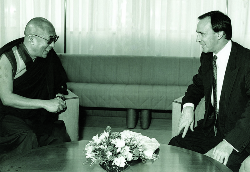 His Holiness the Dalai Lama with Australian Prime Minister Paul Keating, Canberra, 8 May 1992