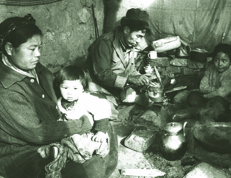 A blacksmith family in Manali, H.P