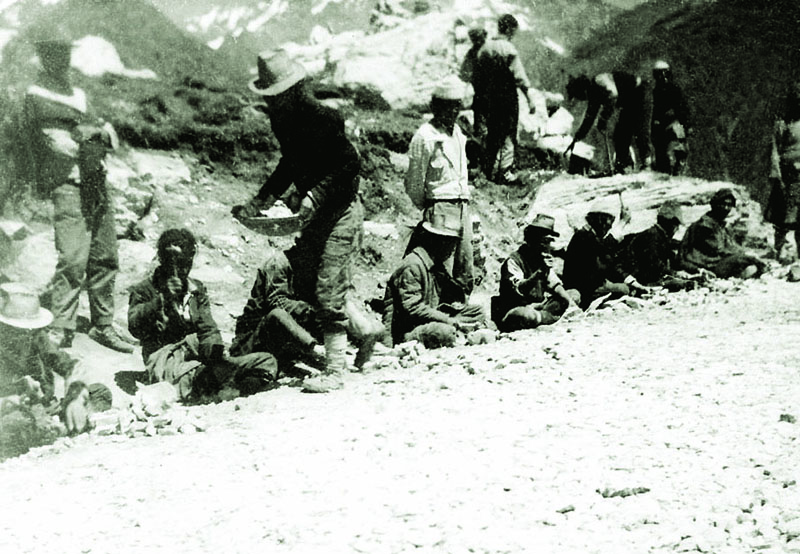 Tibetan refugees constructing road at Rohtang Pass, Manali, 1968