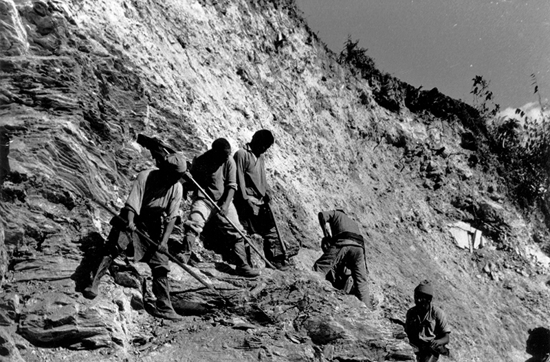 Tibetan road workers  in North India 1960's
