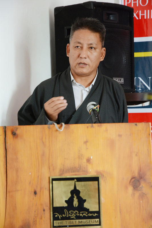 Kalon Karma Yeshi delivering the inaugural remarks of the exhibition, 15 June 2016.