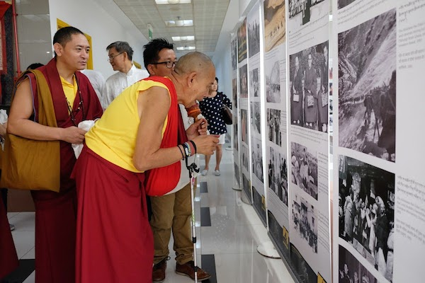 Chief guest His Eminence Garchen Rinpoche visits the exhibition showcased by Tibet Museum on 'His Holiness the Dalai Lama's life', 6 July 2016.