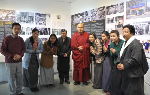 A group photo of Tibet Museum's staff and DIIR secretaries with Gyalwang Karmapa Rinpoche.