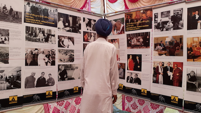 Local Indians visiting Tibet Museum's photo exhibition. Photo/Tibet Museum